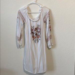 🌵{Xhiliration} Cold Shoulder White Dress Bohemian